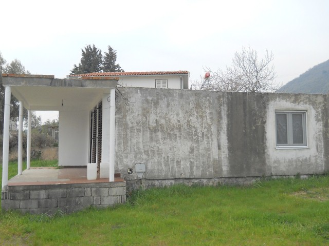 Одноэтажный дом с видом на море
